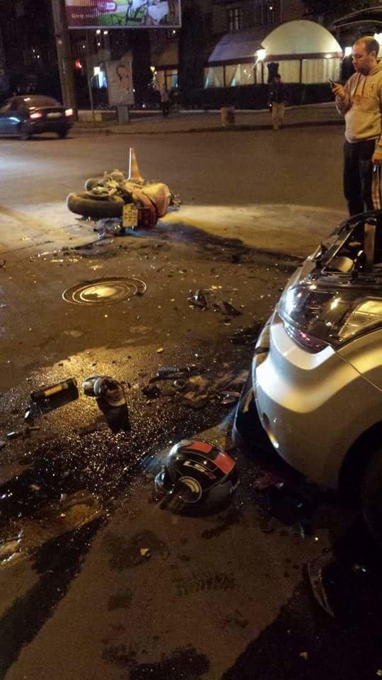 Страшна аварія в центрі Полтави: 17-річний мотоцикліст у комі. Фото (фото) - фото 1