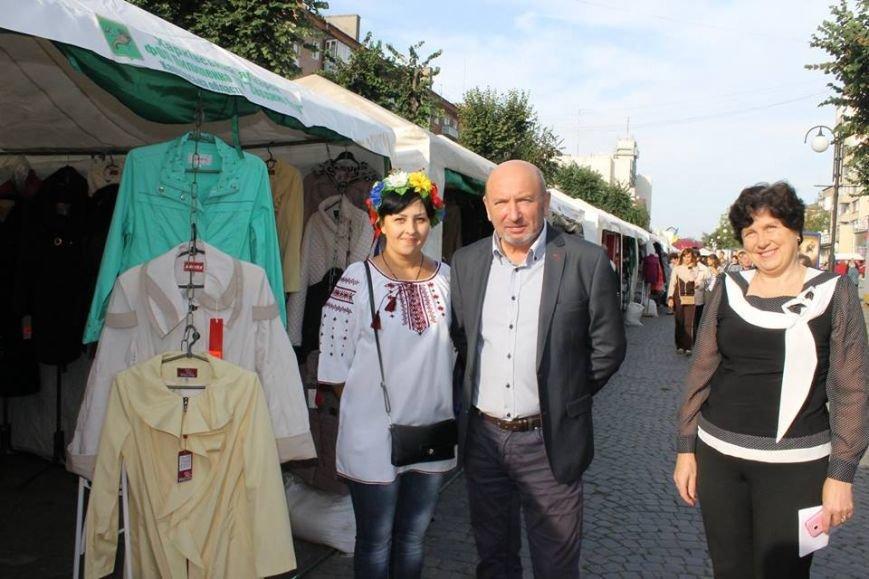 На Хмельниччині розпочав роботу ярмарок українських товарів, фото-1