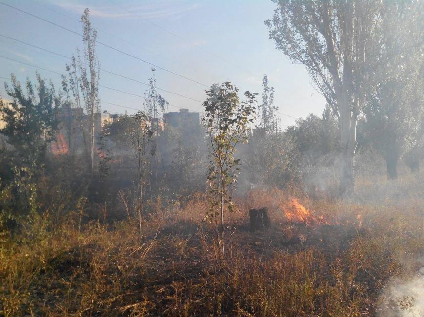 Восточный в огне: за вечер криворожские спасатели дважды тушили пожар на микрорайоне (ФОТО), фото-8