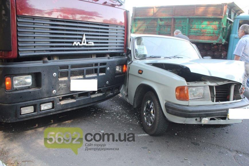 В Днепродзержинске произошло тройное ДТП возле горбольницы №9, фото-3