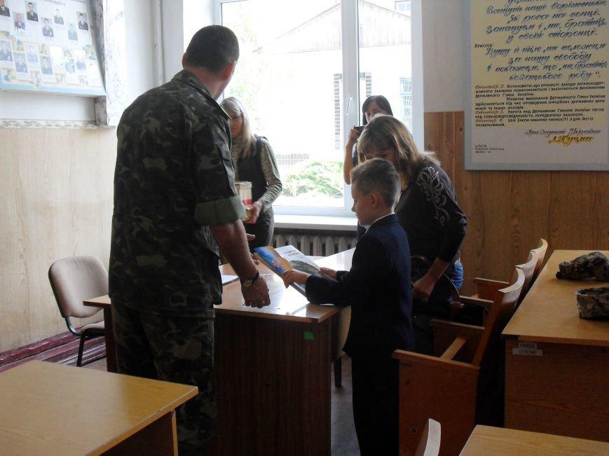 В Кременчуге сын погибшего бойца получил подарок от Министра обороны Украины (ФОТО) (фото) - фото 3