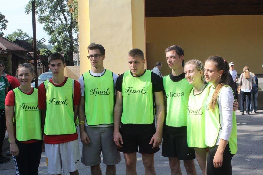 В Днепродзержинске ко Дню города состоялась легкоатлетическая эстафета (фото) - фото 16