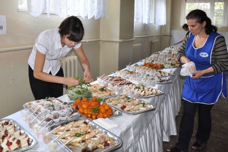 Специалисты «УОПТ» провели дегустацию полезных продуктов в школе № 42 (фото) - фото 1