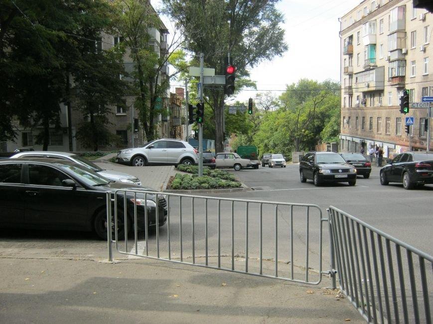 ДТП в Днепропетровске: на регулируемом перекрестке столкнулись две иномарки (ФОТО), фото-3