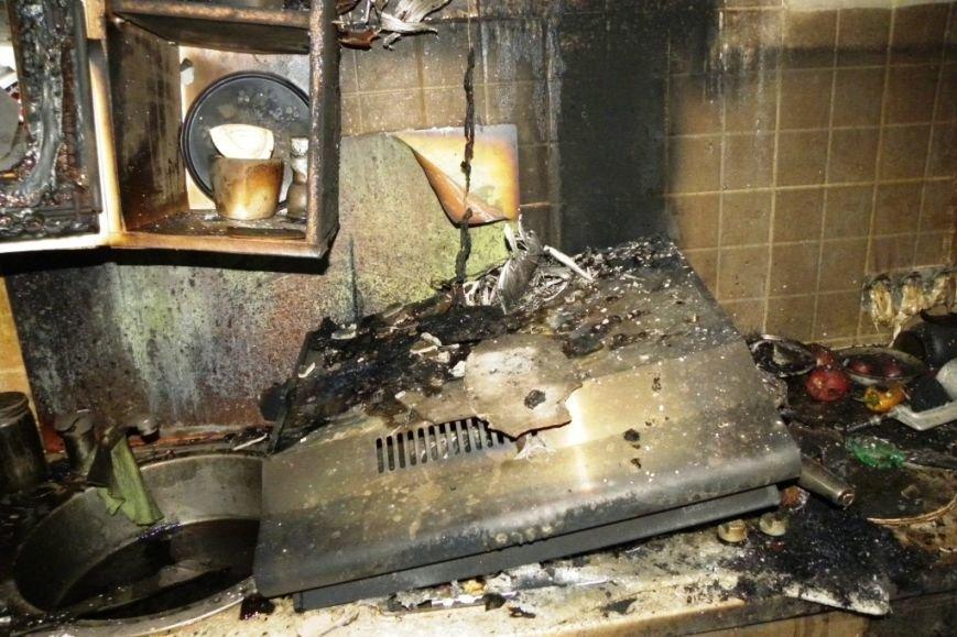 На девятом этаже черниговской многоэтажки горела квартира (фото) - фото 1