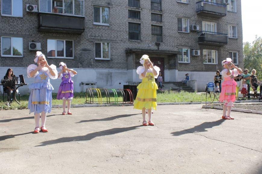 В Доброполье на одну детскую площадку стало больше (ФОТО), фото-4