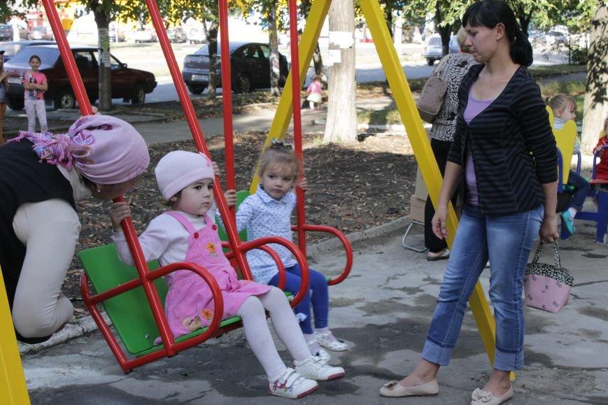В Доброполье на одну детскую площадку стало больше (ФОТО), фото-13