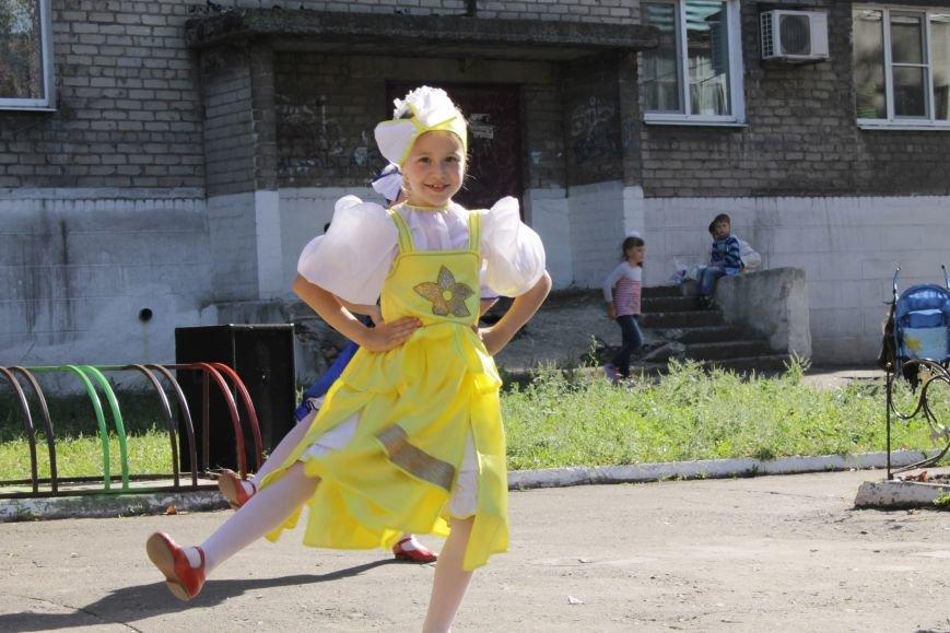 В Доброполье на одну детскую площадку стало больше (ФОТО), фото-5