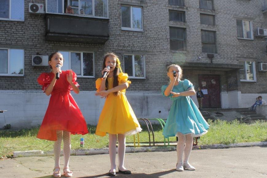 В Доброполье на одну детскую площадку стало больше (ФОТО), фото-9