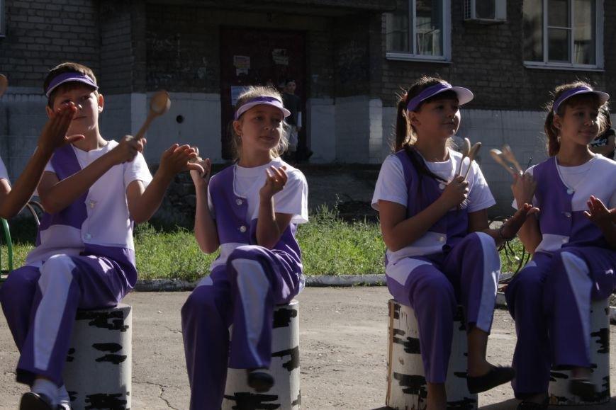 В Доброполье на одну детскую площадку стало больше (ФОТО), фото-7