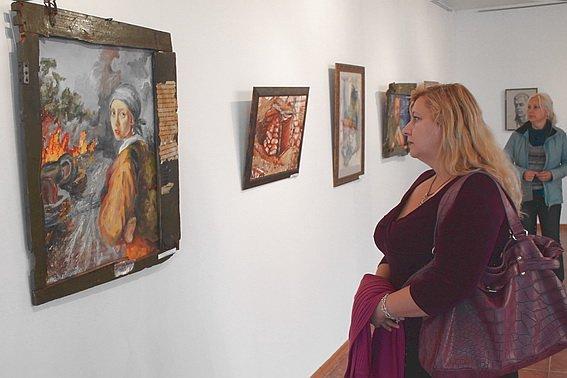 Художницы показали в Ужгороде жизнь прифронтового Мариуполя (ФОТО) (фото) - фото 2