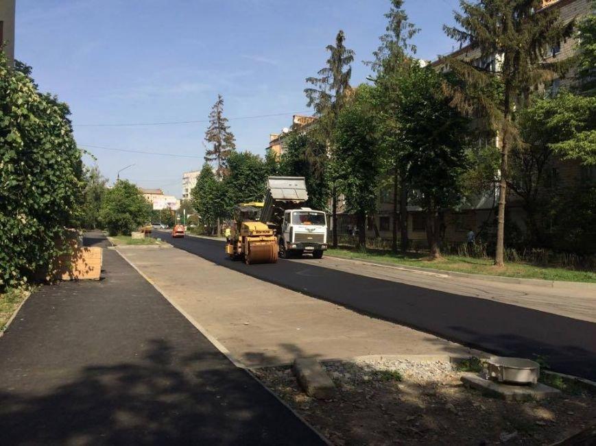 У Чернівцях ремонтують дорогу на провулку Ентузіастів, фото-2