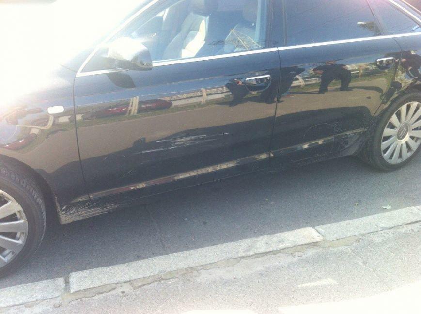 В Киеве на Правды водитель Audi A6 подрезал «Мазду» и открыл огонь (ФОТО) (фото) - фото 4