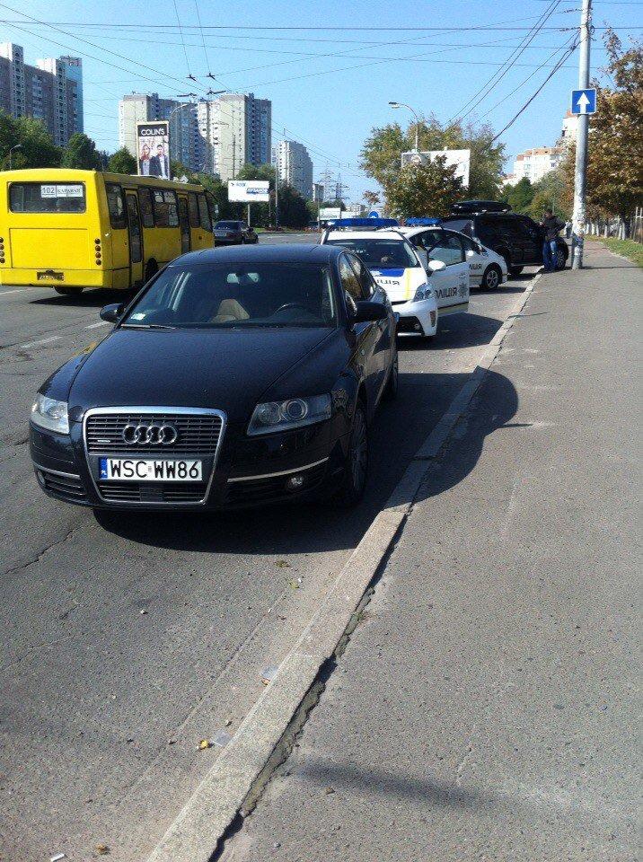 В Киеве на Правды водитель Audi A6 подрезал «Мазду» и открыл огонь (ФОТО) (фото) - фото 1