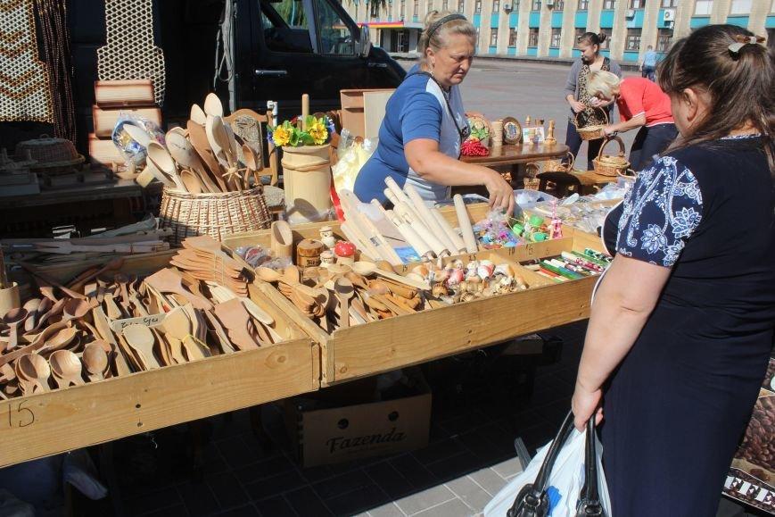 В Днепродзержинске открылась ярмарка «Золотая осень» (фото) - фото 15