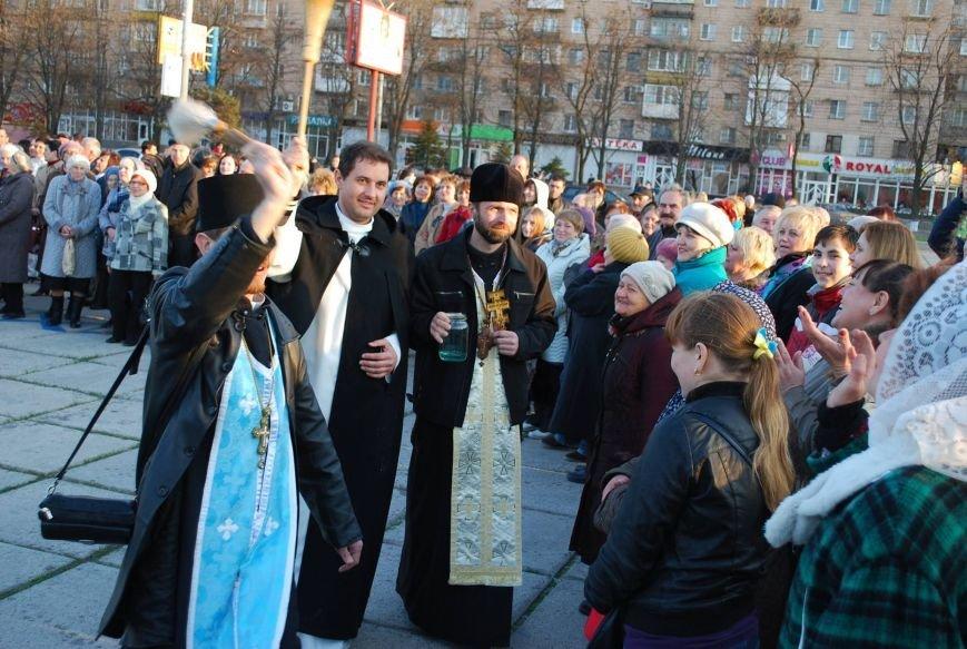 У памятного Креста мариупольцы проведут исцеляющий молебен в первую годовщину Крестного хода (ФОТО), фото-1