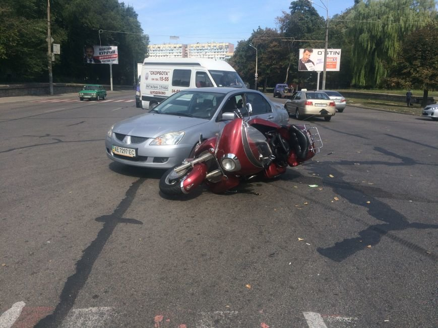 ДТП в Днепропетровске: «Mitsubishi Lancer» столкнулся с мотоциклом «Yamaha XVZ13T» (ФОТО), фото-3