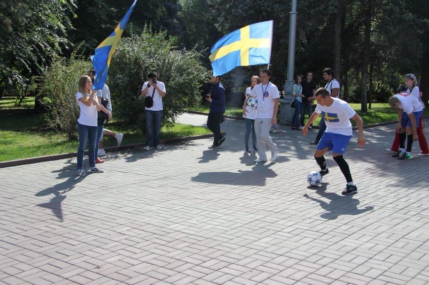 209 волгоградцев установили рекорд по одновременной чеканке мяча, фото-8