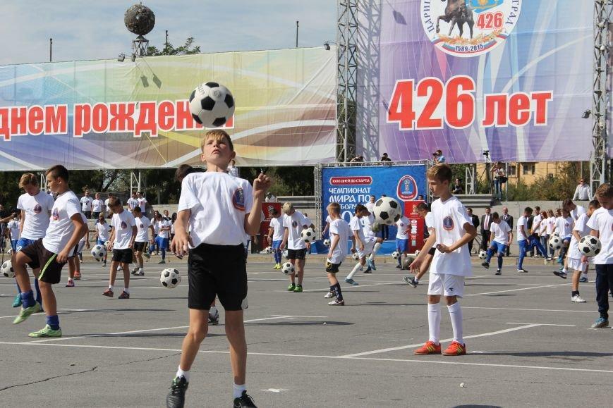 209 волгоградцев установили рекорд по одновременной чеканке мяча, фото-3