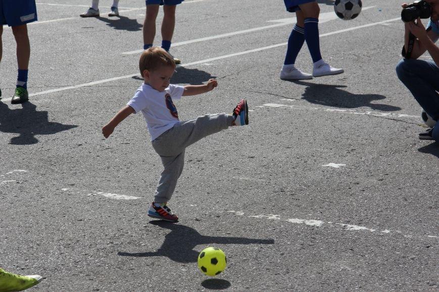209 волгоградцев установили рекорд по одновременной чеканке мяча, фото-1