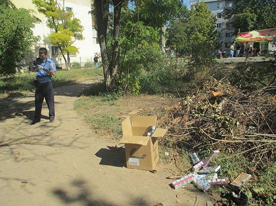 Налетчики, вооружившись пистолетом, ограбили магазин в Николаеве (ФОТО) (фото) - фото 3