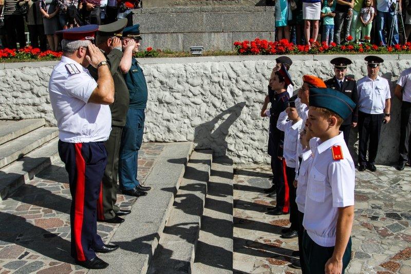 Волгоградские кадеты приняли присягу на Мамаевом Кургане, фото-1