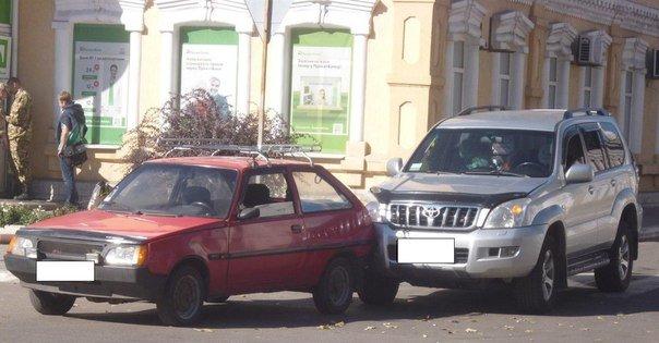 В Красноармейске водитель автомобиля «ЗАЗ» дал заднюю по «Toyota Prado» (фото) - фото 1
