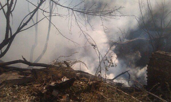 Пожар в Днепропетровске: в балке на улице Чкалова горят гаражи (ФОТО) (фото) - фото 7