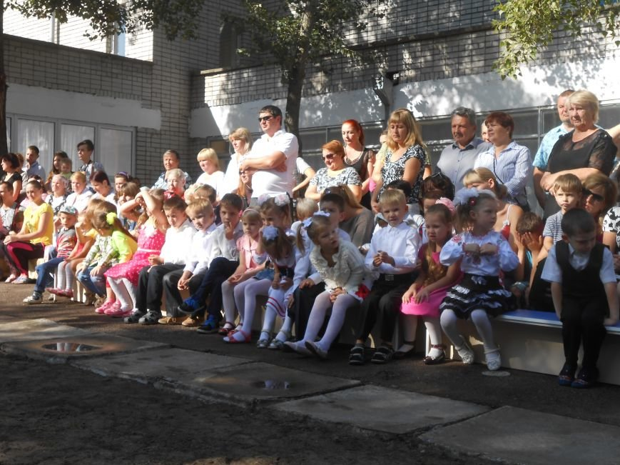 В днепродзержинском детсаду №44 ко Дню города открыли плавательный бассейн (фото) - фото 14