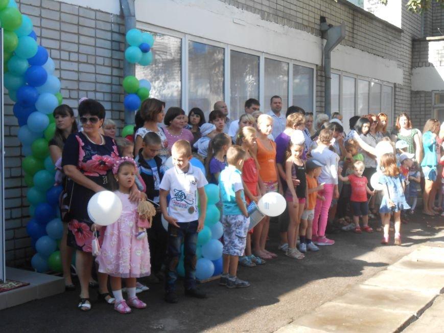 В днепродзержинском детсаду №44 ко Дню города открыли плавательный бассейн (фото) - фото 2