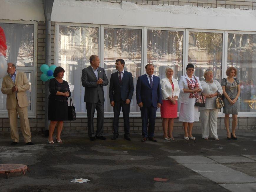 В днепродзержинском детсаду №44 ко Дню города открыли плавательный бассейн (фото) - фото 11