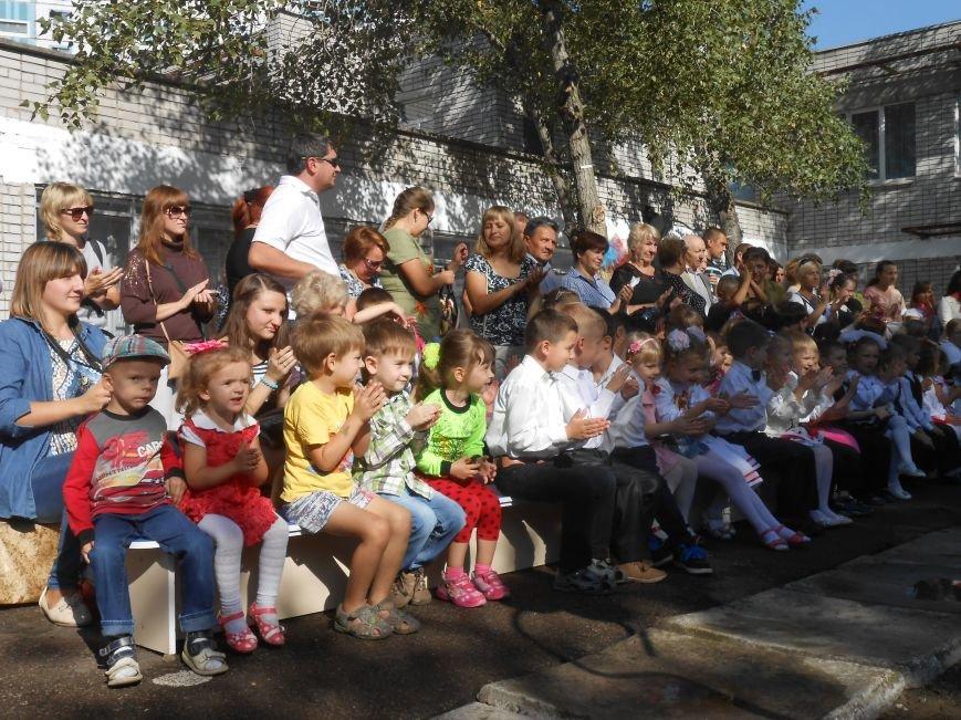 В днепродзержинском детсаду №44 ко Дню города открыли плавательный бассейн (фото) - фото 7