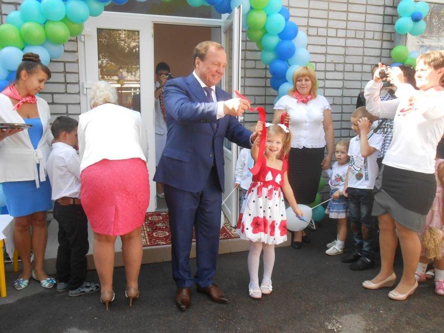 В днепродзержинском детсаду №44 ко Дню города открыли плавательный бассейн (фото) - фото 31