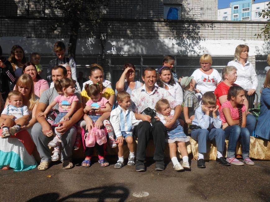 В днепродзержинском детсаду №44 ко Дню города открыли плавательный бассейн (фото) - фото 6