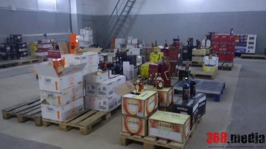В Одессе возле суда нашли склад элитного алкоголя (ФОТО) (фото) - фото 1