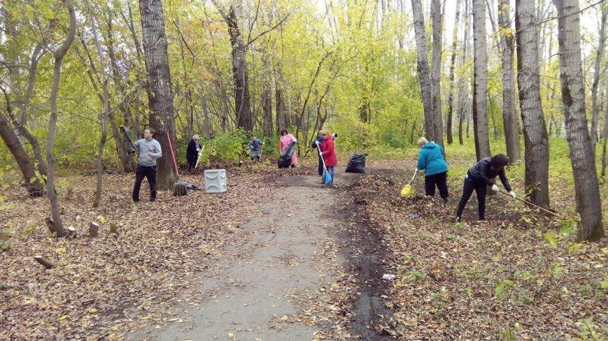 Наведение порядка в парке в южной части Полевского продолжается (фото) - фото 1