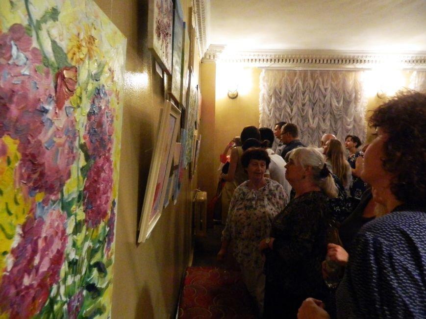 На открытии сезона в Запорожской филармонии презентовали белый рояль и нарисовали картину, - фоторепортаж (фото) - фото 23