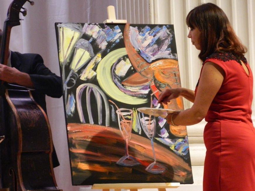 На открытии сезона в Запорожской филармонии презентовали белый рояль и нарисовали картину, - фоторепортаж (фото) - фото 14
