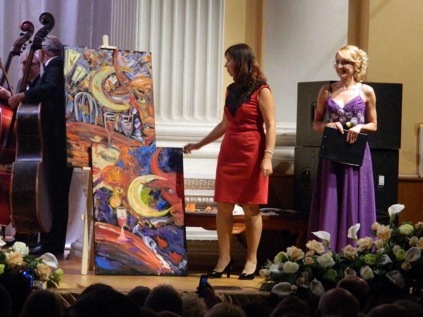 На открытии сезона в Запорожской филармонии презентовали белый рояль и нарисовали картину, - фоторепортаж (фото) - фото 15