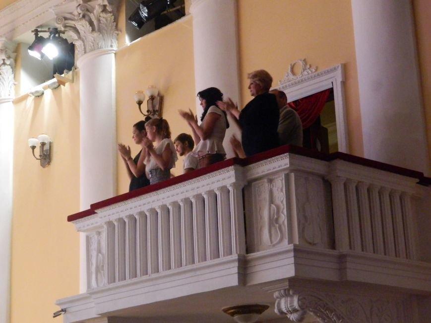 На открытии сезона в Запорожской филармонии презентовали белый рояль и нарисовали картину, - фоторепортаж (фото) - фото 18