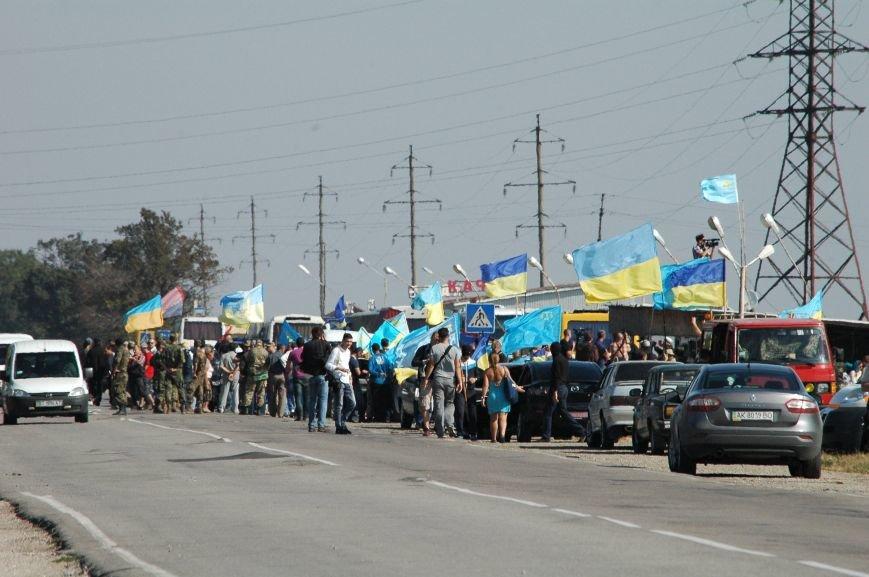 Украинские активисты заблокировали дорогу в Крым, - специальный фоторепортаж 061 из Чонгара, фото-14
