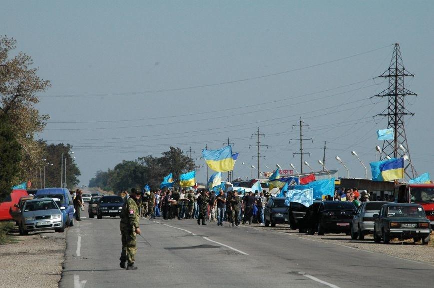 Украинские активисты заблокировали дорогу в Крым, - специальный фоторепортаж 061 из Чонгара, фото-10