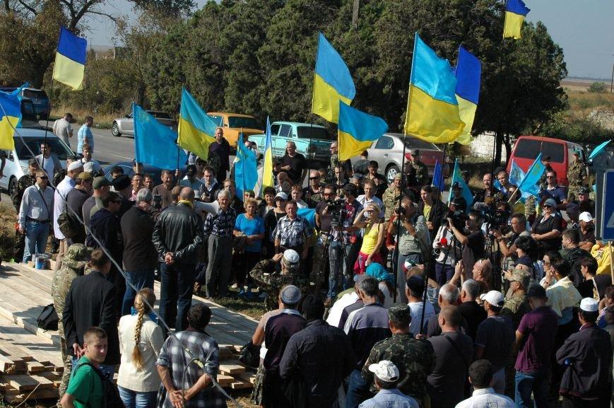 Украинские активисты заблокировали дорогу в Крым, - специальный фоторепортаж 061 из Чонгара, фото-4