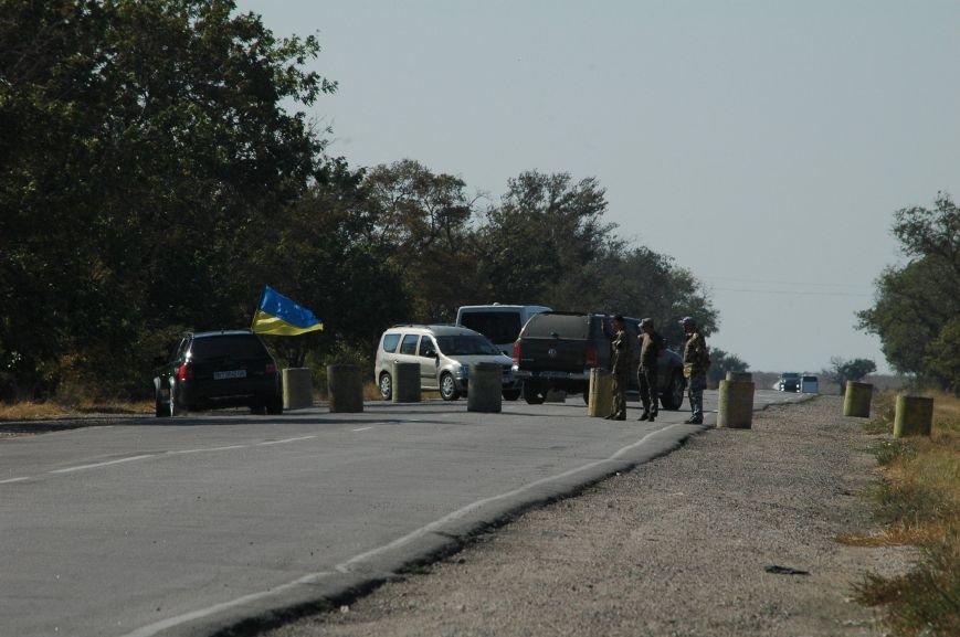 Украинские активисты заблокировали дорогу в Крым, - специальный фоторепортаж 061 из Чонгара, фото-15