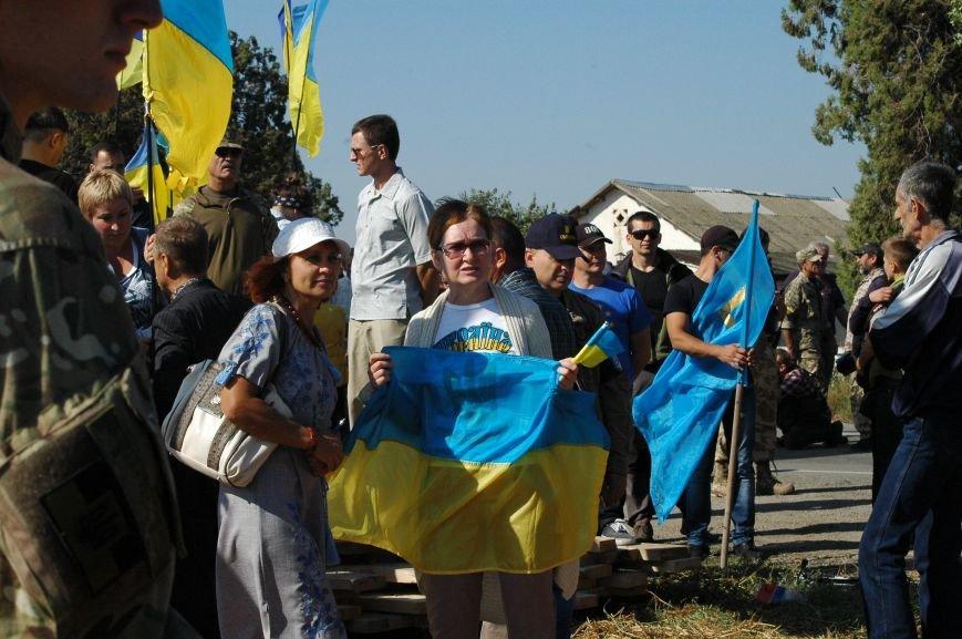 Украинские активисты заблокировали дорогу в Крым, - специальный фоторепортаж 061 из Чонгара, фото-7
