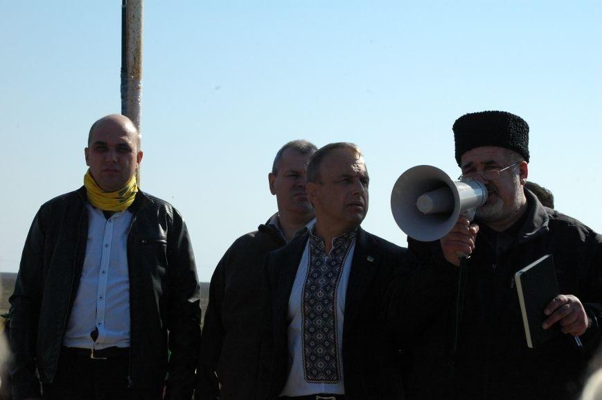 Украинские активисты заблокировали дорогу в Крым, - специальный фоторепортаж 061 из Чонгара, фото-3