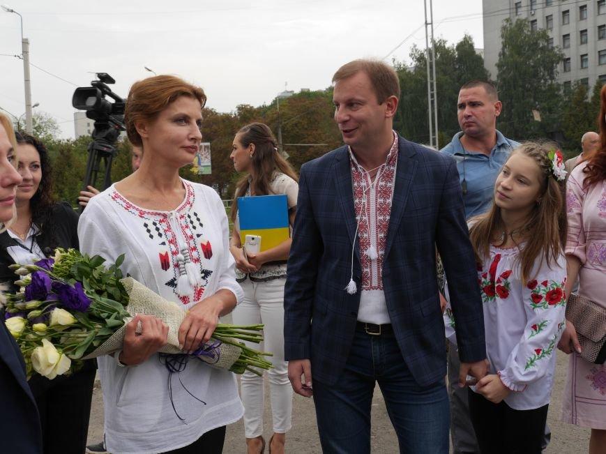У Тернополі Марина Порошенко відвідала «Місто професій» і презентувала «Книгу Миру» (ФОТОРЕПОРТАЖ) (фото) - фото 2