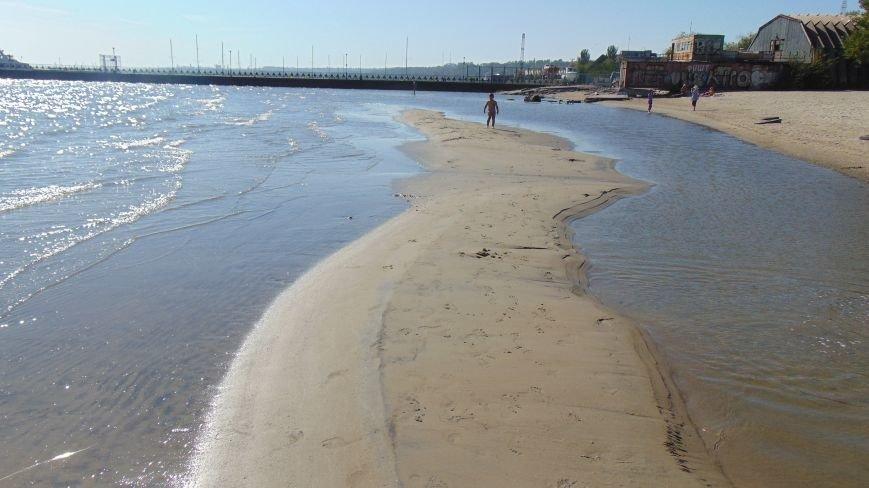 Море в акватории Мариуполя обнажило дно (ФОТОФАКТ) (фото) - фото 1