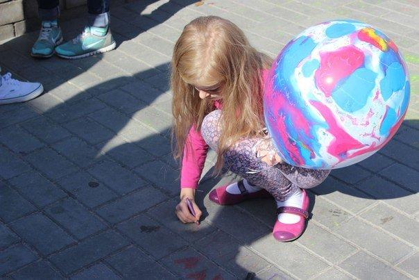 День города Гродно: в центре прошел фестиваль красок Color Fest (фотоотчет) (фото) - фото 14
