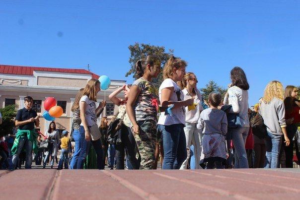 День города Гродно: в центре прошел фестиваль красок Color Fest (фотоотчет) (фото) - фото 11